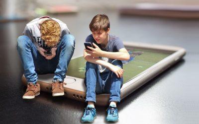 Έφηβοι και κινητό τηλέφωνο
